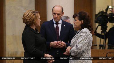 Первый рабочий день депутатов нового созыва, или Как они собирались на сессию Политика