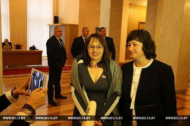 Первый рабочий день депутатов нового созыва, или Как они собирались на сессию Политика 2
