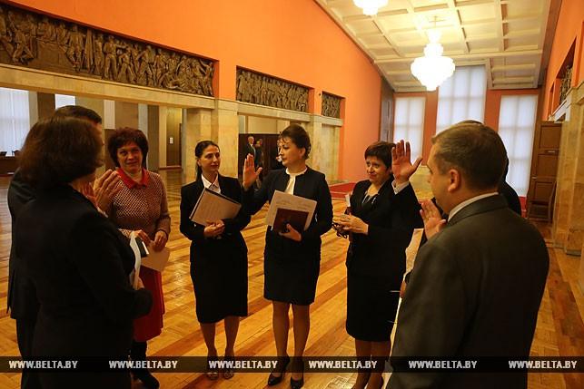 Первый рабочий день депутатов нового созыва, или Как они собирались на сессию Политика 1