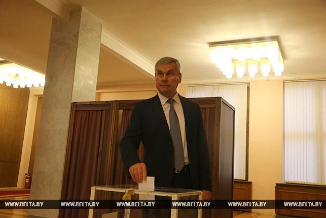 Первый рабочий день депутатов нового созыва, или Как они собирались на сессию Политика 6