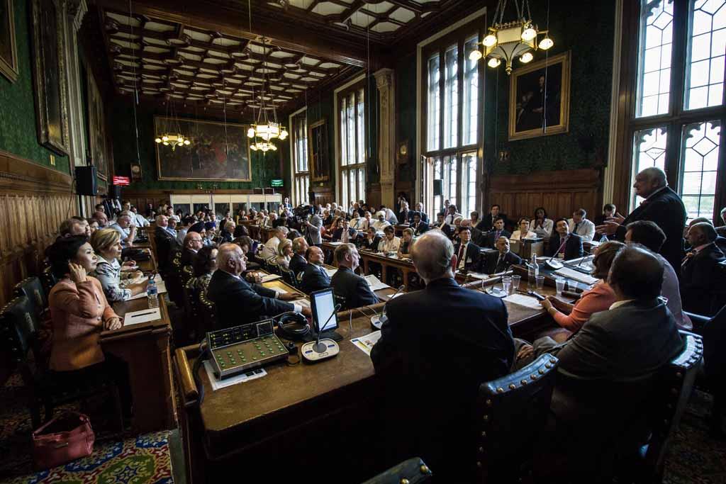 В парламенте Великобритании прошла международная миротворческая конференция 3